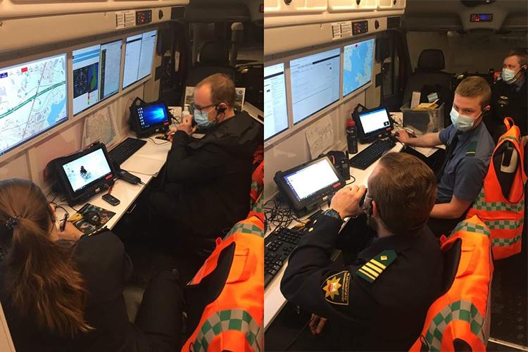 Kuva on yhdistelmä kahdesta kuvasta. Henkilöt harjoittelevat öljyntorjuntatilannetta aluksen sisätiloissa.