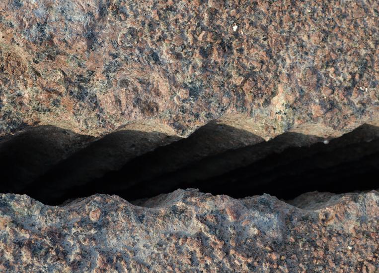 Kuvassa graniittilohkareita.